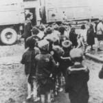 Deportazione di bambini ebrei dal ghetto di Lodz (Polonia) durante la cosiddetta Operazione Gehsperre, attuata nel settembre 1942