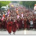 Myanmar_Birmania_monaci buddisti 2007